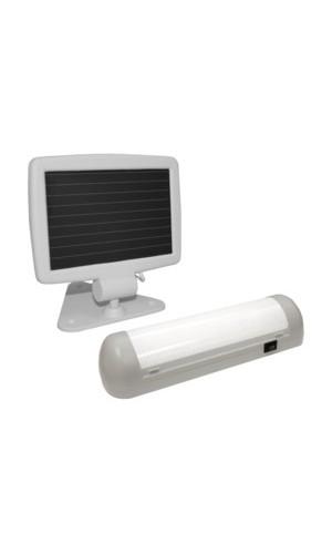 Luz alimentada con placa solar