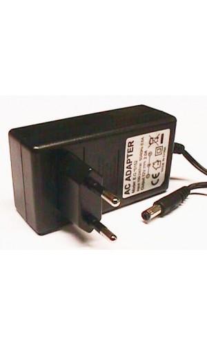 Alimentador 12V - 1A - Alimentador de 12V 1A -Conector 5,5x2.1 mm. Ref: 0151